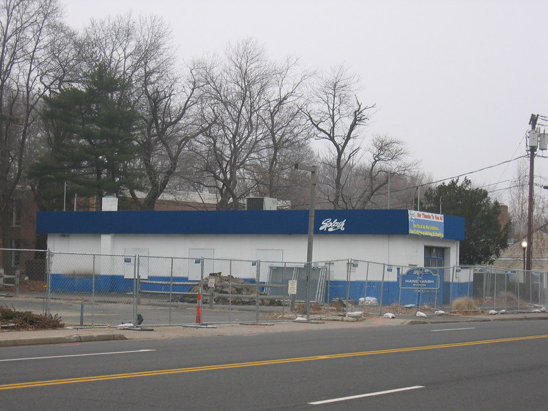 Demolition of Darien Car Wash on Post Rd