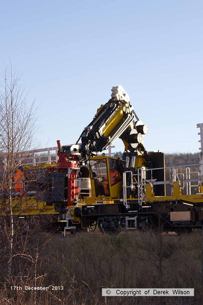 131217-005     Movax vibro piling head on HOPS MPV no 99 70 9131 001-8, image captured at Ollerton on the High Marnham Test Track.
