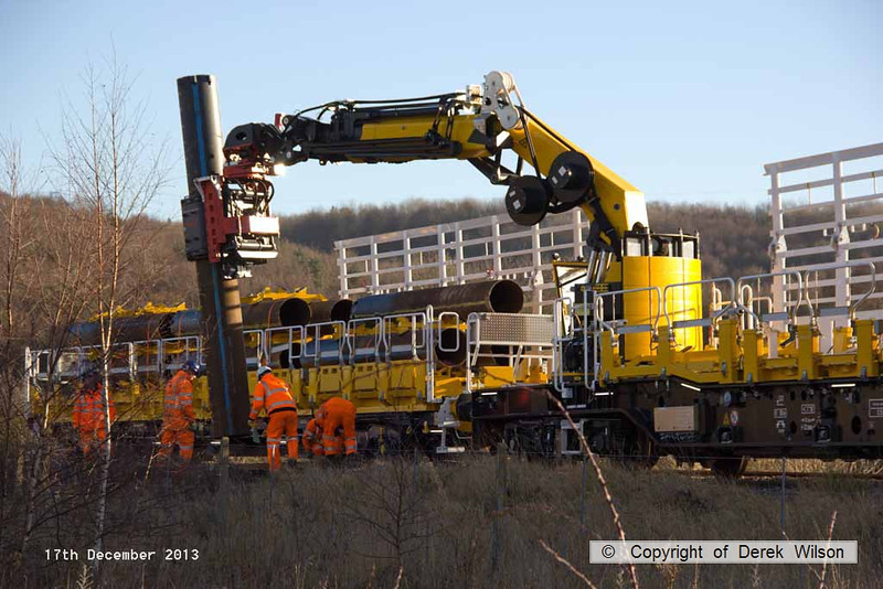 131217-014     Movax vibro piling head on HOPS MPV no 99 70 9131 001-8, seen in action at Ollerton, on the High Marnham Test Track.