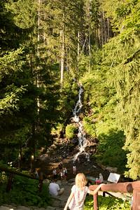 Umělý vodopád, vybudovaný pro lázně.