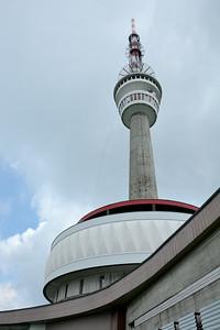 TV vysílač, hotel a rozhledna na vrcholu Pradědu. Obdivuhodná stavba.
