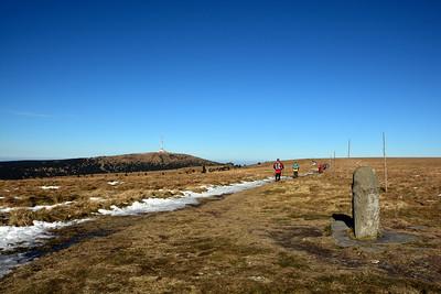 Vysoká Hole 1464 m. Pohled od hraničního kamene.