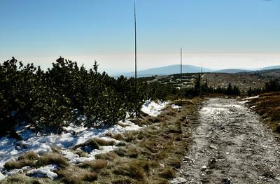 Cesta přes Vysokou Holi nad Malý kotel a dál k Jelení studánce