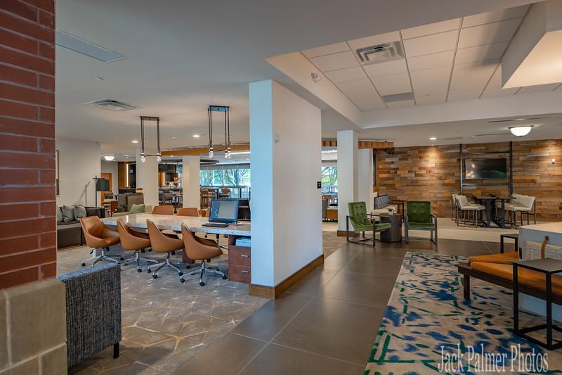 DoubleTree by Hilton  Inn & Suites Farmer's Branch, TX 2018