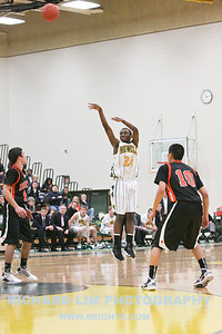 HHS-V-Brighton-Basketball-IMG_0503