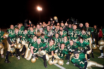 HHS-V-HOLT-playoff-2010-0250