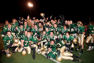 HHS-V-HOLT-playoff-2010-0259