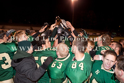 HHS-V-HOLT-playoff-2010-0246