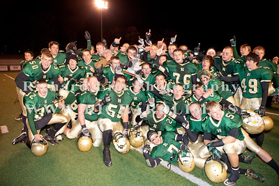 HHS-V-HOLT-playoff-2010-0269
