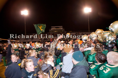 HHS-V-HOLT-playoff-2010-0210