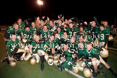 HHS-V-HOLT-playoff-2010-0268