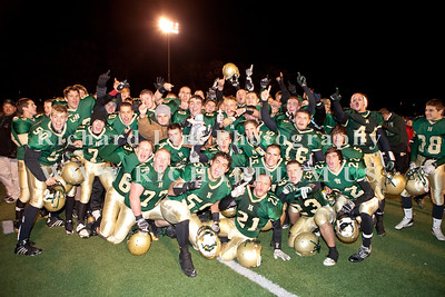 HHS-V-HOLT-playoff-2010-0247