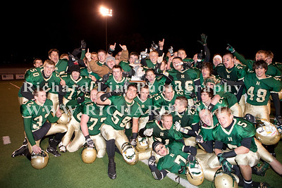 HHS-V-HOLT-playoff-2010-0267