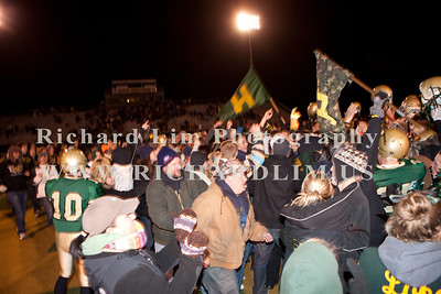 HHS-V-HOLT-playoff-2010-0216