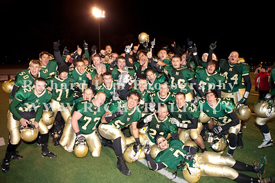 HHS-V-HOLT-playoff-2010-0252