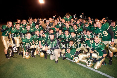 HHS-V-HOLT-playoff-2010-0278