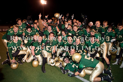 HHS-V-HOLT-playoff-2010-0262