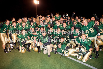 HHS-V-HOLT-playoff-2010-0280