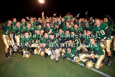 HHS-V-HOLT-playoff-2010-0276