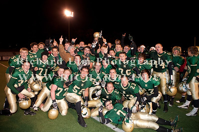 HHS-V-HOLT-playoff-2010-0255