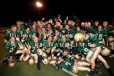 HHS-V-HOLT-playoff-2010-0265