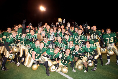HHS-V-HOLT-playoff-2010-0248