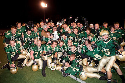 HHS-V-HOLT-playoff-2010-0264