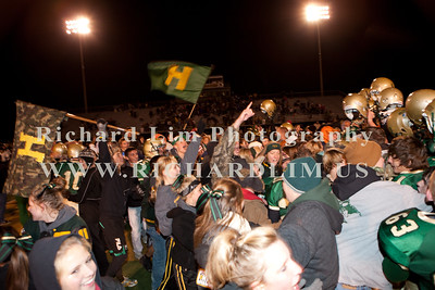 HHS-V-HOLT-playoff-2010-0211