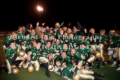 HHS-V-HOLT-playoff-2010-0257