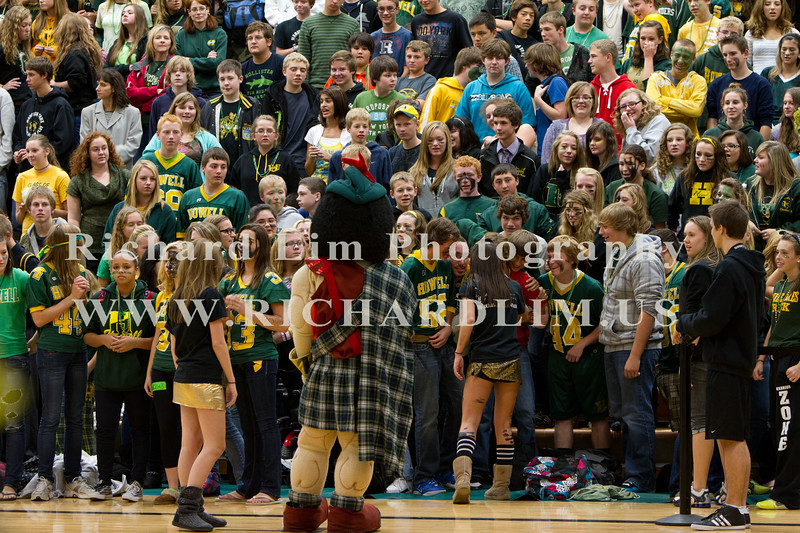 2011-HHS-Pep rally 050