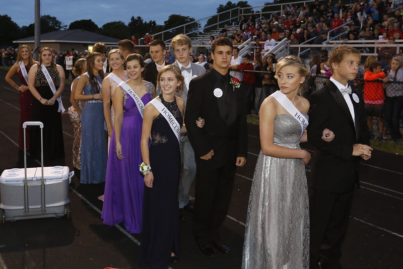 092316_Homecoming_Court_X9A1647_029