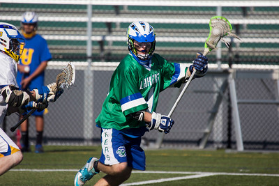 JOSH KAUFMANN, Colchester Sun Kevin Lynch works on offense during the first half.