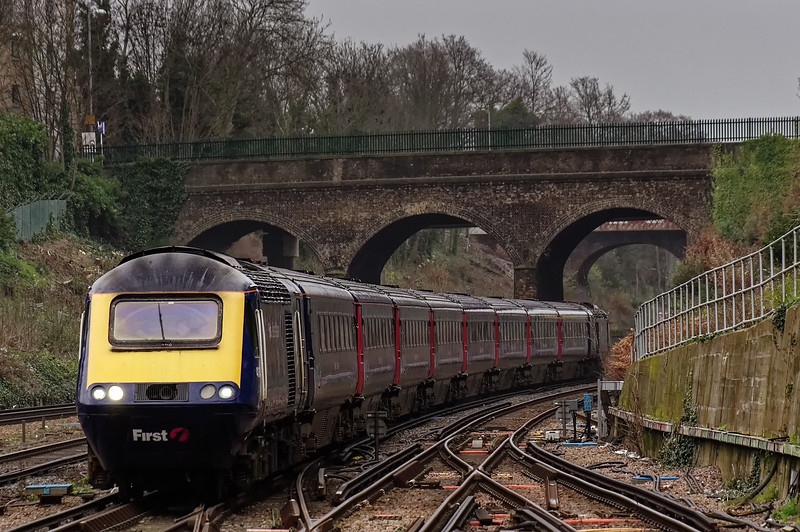 43031 / 43194 passing Surbiton station with 1C16, the 12:24 Waterloo - Bristol Temple Meads, on 27th December 2015.