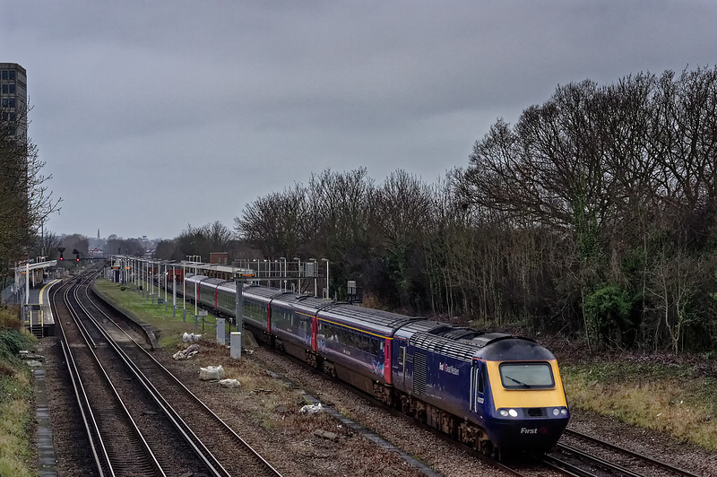 43003 / 43010 passing New Malden with 1Y76, the 07:50 Exeter - Waterloo, <br /> on 27th December 2015.