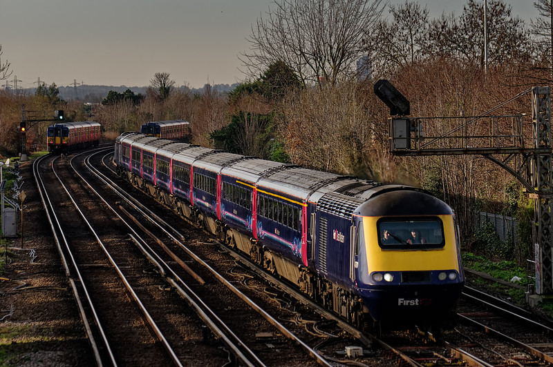 43170 / 43020 at Wimbledon West Junction with 1Y07, <br /> the 06:48 Weston-super-Mare - Waterloo, on 28th December 2015.