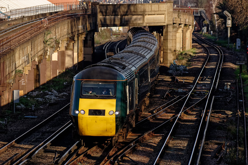 43187 / 43188 passing Wimbledon Park with 1C82,  <br /> the 11:07 Waterloo - Penzance, on 28th December 2015.