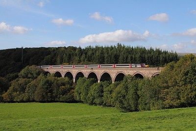 43304+43301 on the 1E67 1524 Plymouth to Leeds at Blatchford viaduct on the 27th September 2015