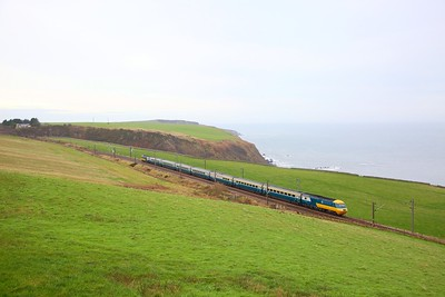 43006+43112 on the 1Z48 0937 Edinburgh to Leeds at Burnmouth on the 20th December 2019