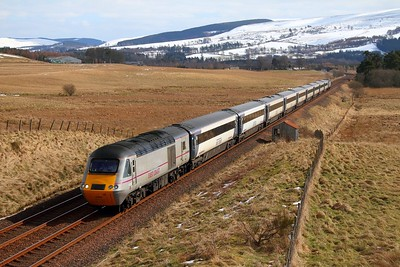 43302+43320 EC51 1E17 0940 Inverness to London Kings Cross at Blackford on the 31st March 2013 (1)