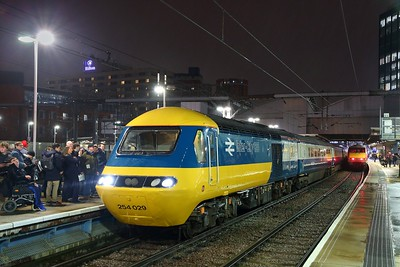 43112+43006 on the 1Z48 0937 Edinburgh to Leeds arriving at Leeds on the 20th December 2019