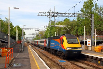 43083+43055 on the 3D63 Cricklewood to Kings Cross at Upper Holloway on the 3rd May 2018