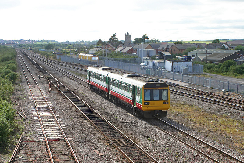 142077, Cardiff Central-Gloucester, Severn Tunnel Junction, 26-5-05.