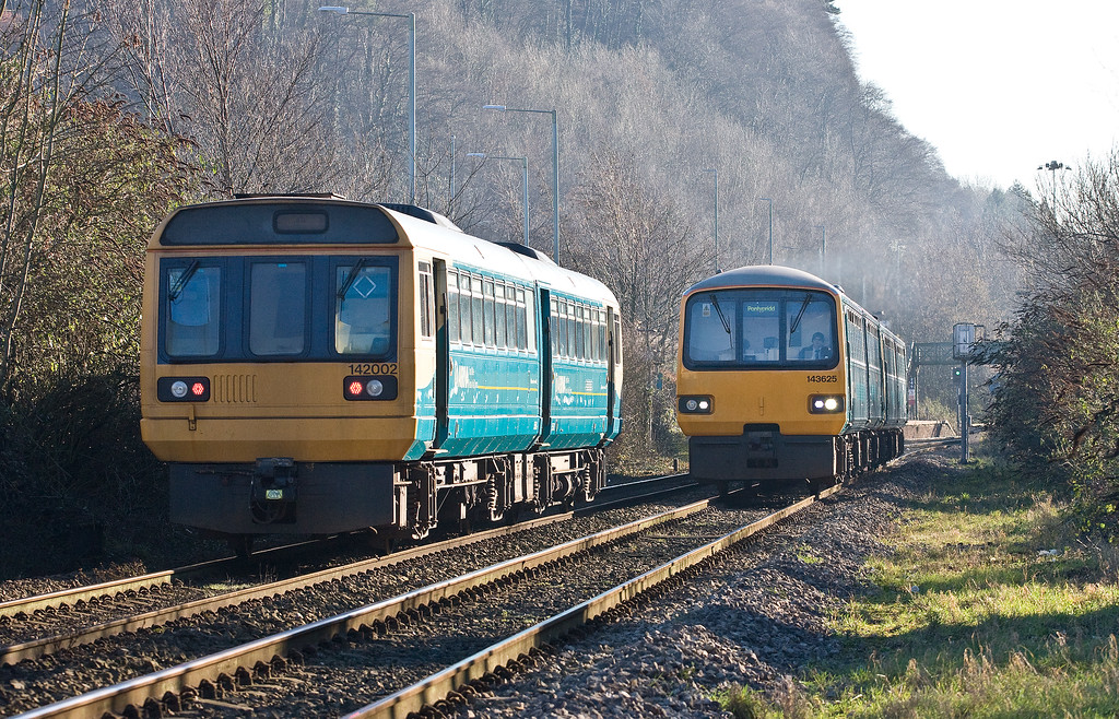 142002, 11.47 Treherbert-Cardiff Central, 143625/143/605, 11.41 Barry Island-Pontypridd, Taff's Well, Cardiff, 20-1-17.