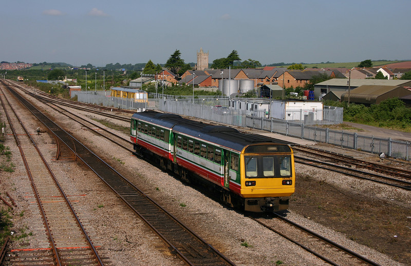 142085, Cardiff Central-Gloucester, Severn Tunnel Junction, 8-6-05.