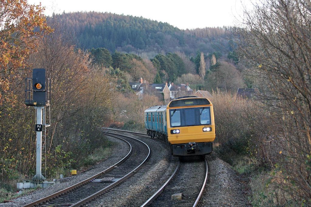 142081/143, 14.47 Penarth-Bargoed, Aber, Caerphilly, 29-11-12.