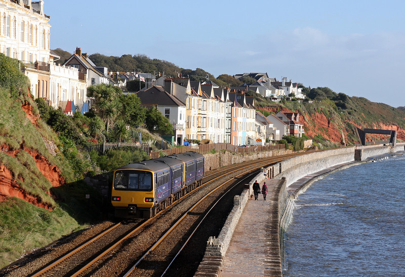 143621/143603, 09.13 Paignton-Exmouth, Dawlish, 16-10-12.