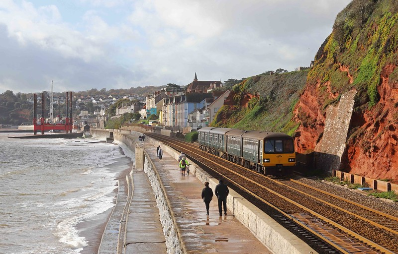143612/150244, 10.39 Paignton-Exmouth, Dawlish, 12-11-20. Service cancelled at Exeter St David's, points failure.