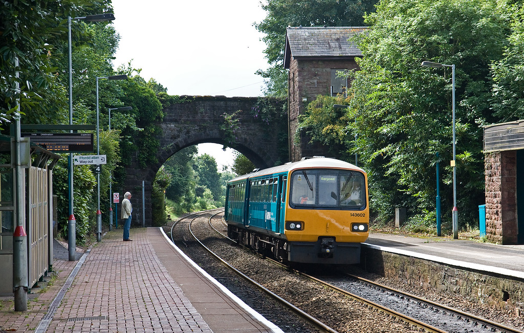 143602, 10.47 Penarth-Bargoed, Llanishen, near Cardiff, 27-7-16.