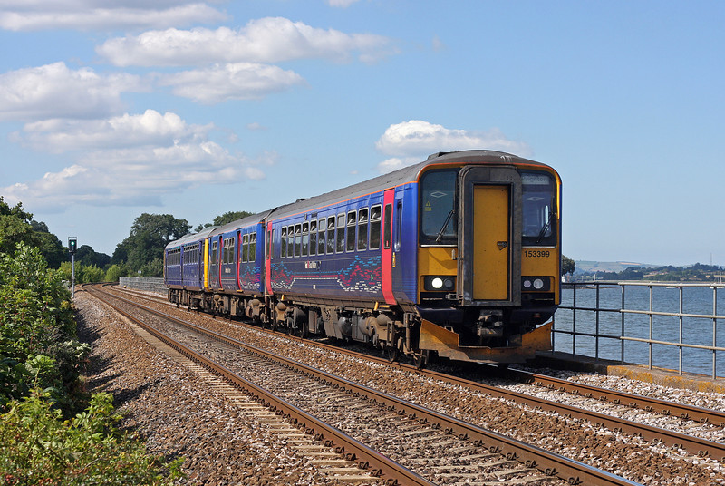 153399/153/142068, 15.23 Exmouth-Paignton, Powderham, near Starcross, 26-7-11.