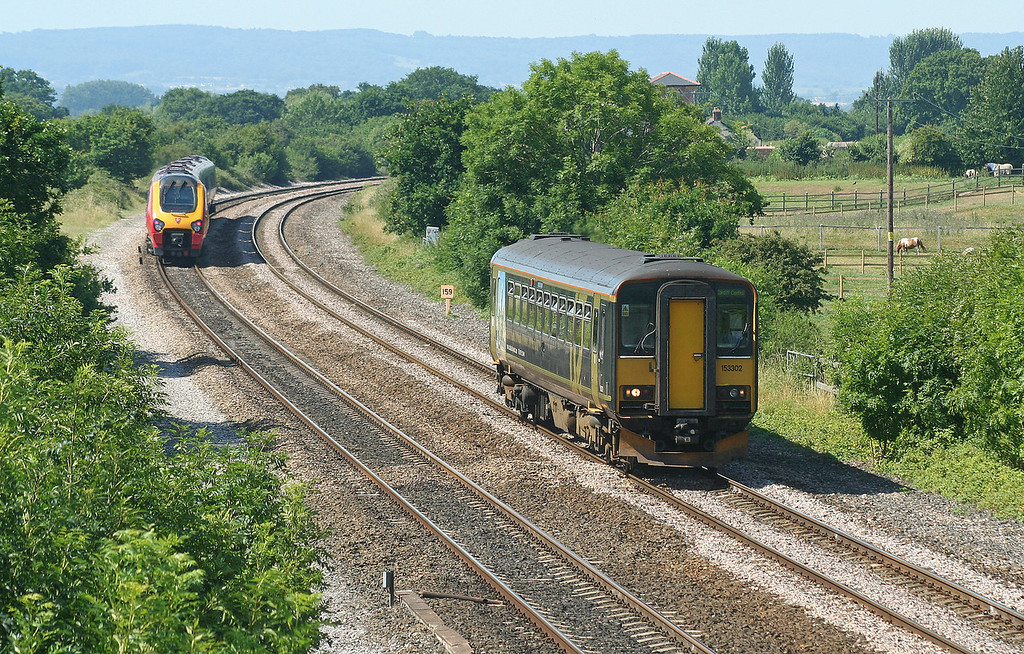 221, 07.05 Leeds-Plymouth, 153302, 11.05 Taunton-Cardiff Central, Cogload, 18-7-06.
